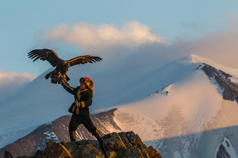 TheEagleHuntress-AltaiMountains